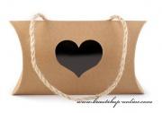 Detail anzeigen - Geschenkbox aus Papier mit Herz