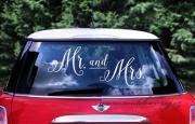 Detail anzeigen - Etikette Mr and Mrs als Autodeko