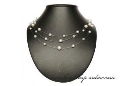 Weisse Perlenkette
