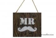 Detail anzeigen - Holztabelle - MR mit dem Schnurrbart